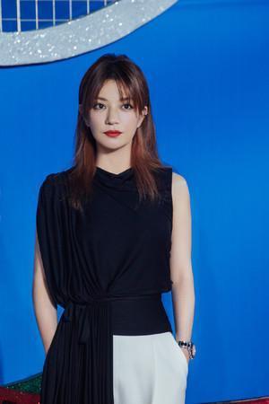 Quỳnh Dao phủ nhận Triệu Lệ Dĩnh là nữ chính của Tân dòng sông ly biệt: Không muốn hủy hoại tác phẩm kinh điển ảnh 13
