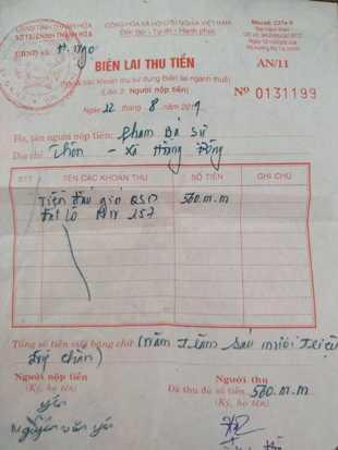 Một trong nhiều biên lai thu tiền bà Hòa xác lập. Ảnh: báo Công Lý