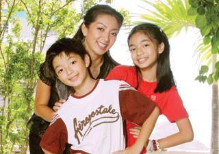 Thanh Xuân cùng 2 con khi còn nhỏ.