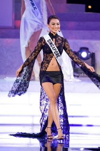 Một diện mạo xấu xí của Hoa hậu Singapore.