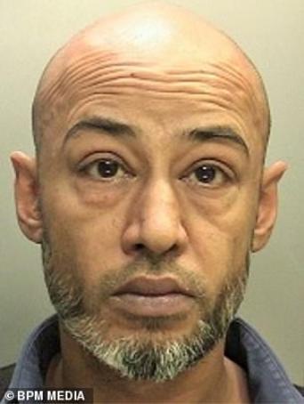 Nasser Khalil đã bị bắt vì gạ gẫm nữ sinh 12 tuổi.