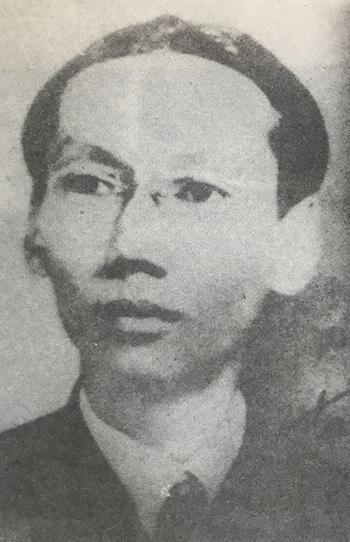 Vua Duy Tân những năm 1930. Ảnh tư liệu in trong cuốn Vua Duy Tân.