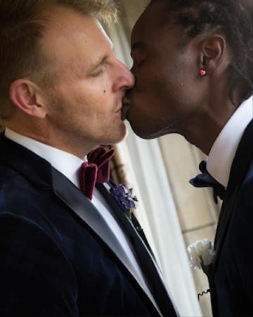 Alimi hẹn hò với Anthony Davis được gần 4 năm và đã kết hôn tại Anh vào năm 2016.