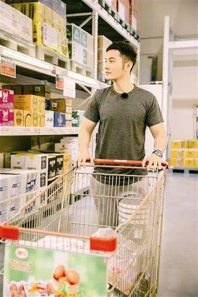 Dù không có sự giúp đỡ của Triệu Vy nhưng Huỳnh Hiểu Minh vẫn nhận được lời cảm ơn từ Nhà hàng Trung Hoa ảnh 8