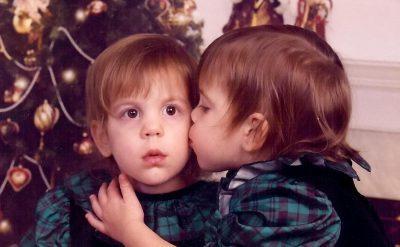 Jennifer và Jaclyn khi còn nhỏ