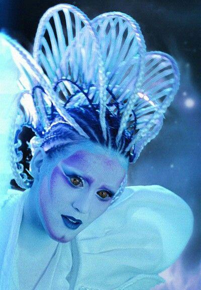Người ngoài hành tinh, Nữ hoàng Ai Cập và giờ đây là robot: Katy Perry chính là biểu tượng Re-Invention thế hệ mới sau Madonna? ảnh 1