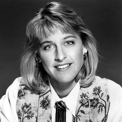 Nữ MC đồng tính thành danh nhất thế giới Ellen DeGeneres: Từng làm đủ nghề để kiếm sống, bị cha dượng lạm dụng tình dục ảnh 1
