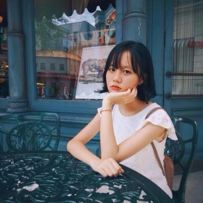 """Đúng như cái danh """"con nhà người ta"""", thông tin về Ngọc Quỳnh được tìm kiếm khắp các trang mạng xã hội."""