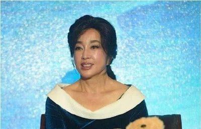 Lưu Hiểu Khánh ở độ tuổi 64: 'Khuôn mặt cứng đơ như người giả'