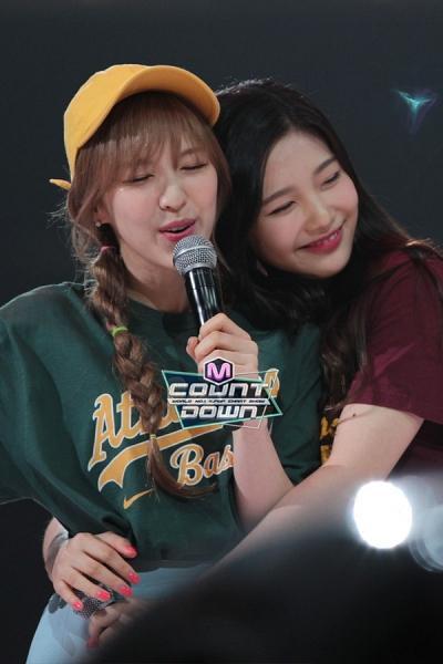 Joy đăng ảnh Wendy cùng caption nhớ mong khiến Knet không khỏi cảm động ảnh 6