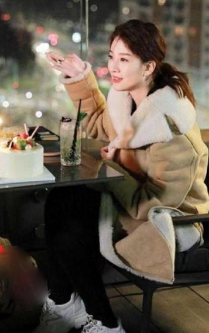 Bạn gái tin đồn của Dương Dương Kiều Hân trả lời: Gia đình giàu nhưng không khoa trương, căn hộ sang trọng là nhà mẫu của show ảnh 9