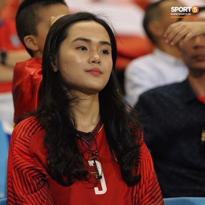 Quỳnh Anh, cô nàng xinh đẹp là bạn gái của Duy Mạnh.
