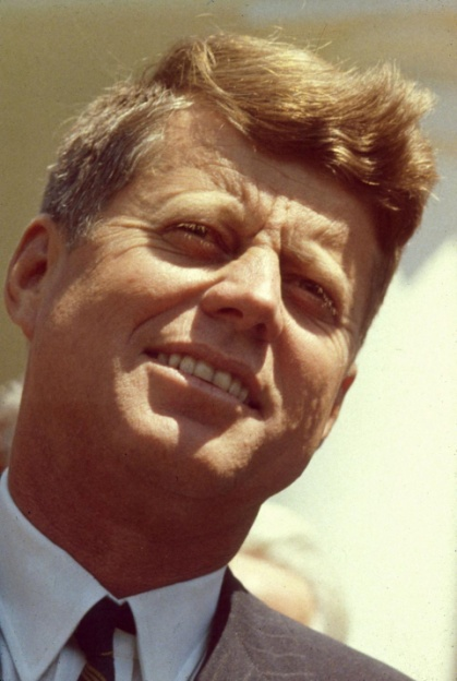 8. John F.Kennedy đã quyên góp thu nhập cá nhân trong nhiệm kỳ làm Tổng thống của mình cho các tổ chức từ thiện, như những gì mà ông Donald Trump đang làm. Ảnh: Getty Images