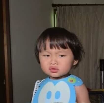 Hình ảnh bé Sa trong các video của mẹ Quỳnh Trần JP