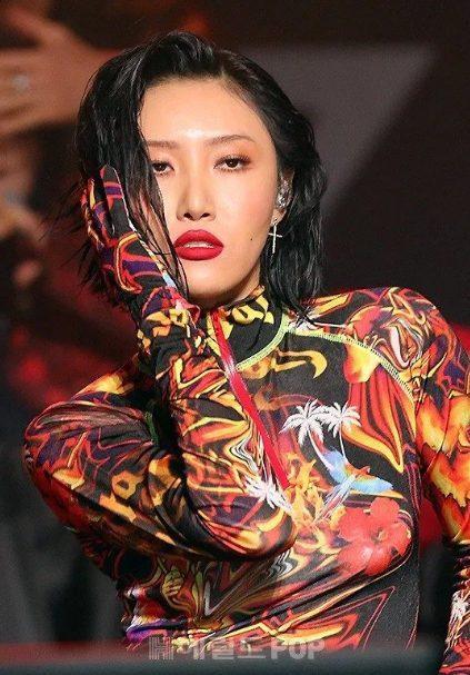 Thì ra Hwasa đã ngầm lên tiếng về tranh cãi không mặc nội y trong MV mới nhất của MAMAMOO ảnh 2