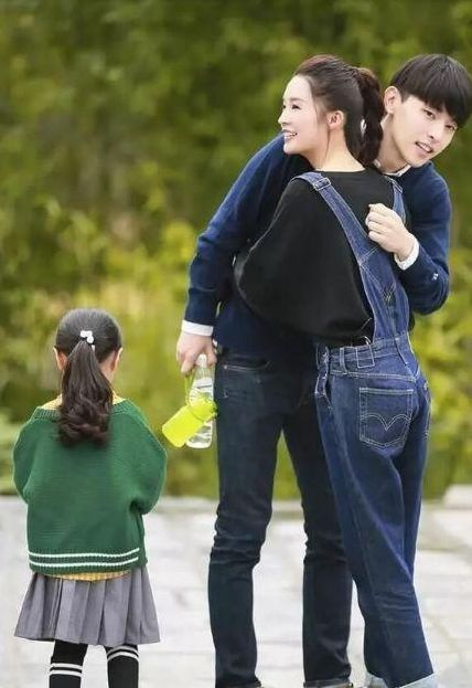 Luôn giữ khoảng cách với sao nữ, duy chỉ có người này khiến Đặng Luân luôn mỉm cười vui vẻ ảnh 4