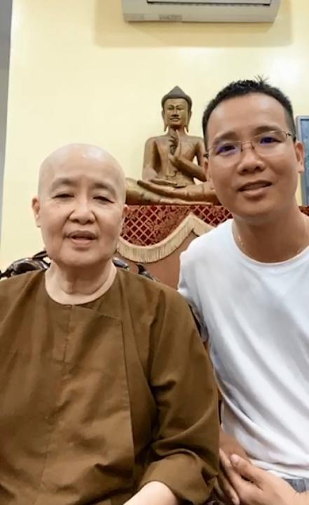 Sau 1 năm nương nhờ cửa Phật, cuộc sống chuyên gia ẩm thực Nguyễn Dzoãn Cẩm Vân giờ ra sao? ảnh 2