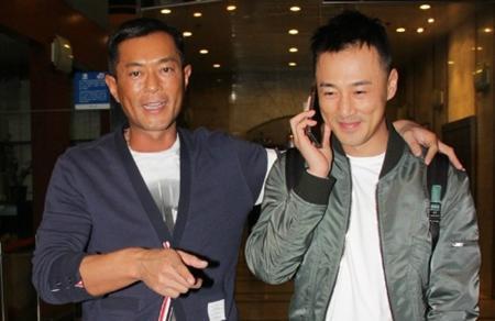 """Lâm Phong cũng gật đầu cùng ông chủ Cổ tiến hành dự án điện ảnh """"Cỗ máy thời gian"""" cùng với Tuyên Huyên."""