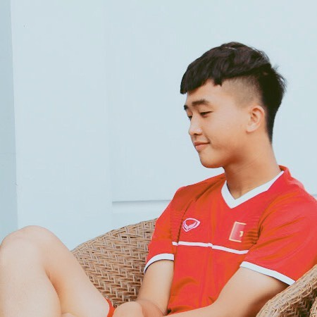 Sao U22 Việt Nam, Danh Trung được fan khuyên nhủ nên lấn sân ca hát ngay thôi.