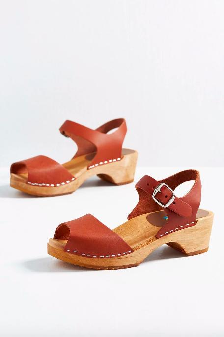 Mùa sale kịch liệt, chị em nhớ ghi sổ 9 xu hướng giày hè 2020 siêu xinh ảnh 6