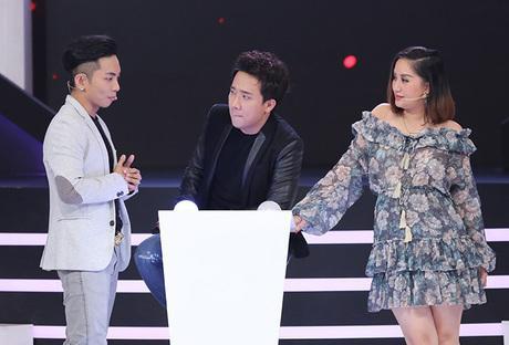 Chiếc váy lùm xùm, kiểu dáng và họa tiết đều không mấy mới mẻ là nguyên nhân khiến Khánh Thi phải chịu rơi vào danh sách sao xấu trong tuần.