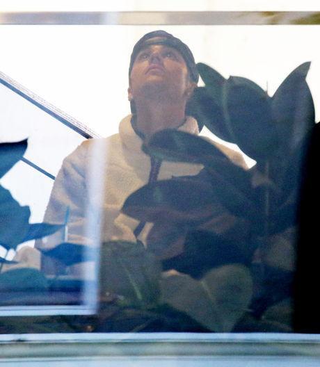 Nét mặt buồn bã của nam ca sĩ Justin Bieber khi bất đồng quan điểm với cô vợ sắp cưới.
