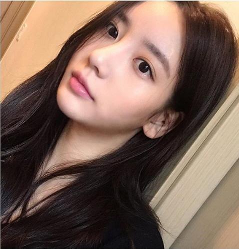 Fan B.I gửi tin công kích Han Seo Hee và đây là cách nữ thực tập sinh đáp trả ảnh 2