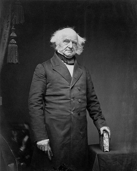 17. Martin Van Buren là Tổng thống đầu tiên mà lúc sinh ra không phải là công dân Anh. Những Tổng thống Mỹ trước đó đều được sinh ra trước năm 1776, khi 13 thuộc địa Mỹ tuyên bố độc lập khỏi Vương quốc Anh. Van Buren được sinh ra 6 năm sau, vào năm 1782. Ảnh:Hulton Archive/Getty Images