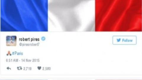 """Marco Reus viết: """"Cùng cầu nguyện cho Paris""""."""