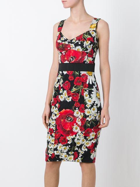 Thiết kế ôm dáng thuộc bộ sưu tập Rose collection có giá 1.300 bảng Anh tương đương với 39 triệu đồng.