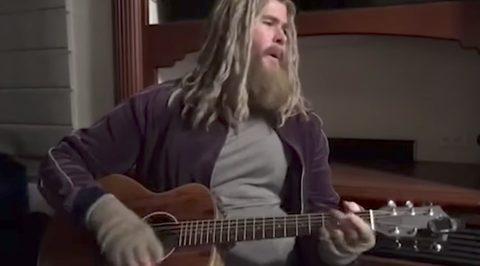 Anh ơi anh không cần hát em nghe chỉ cần bỏ đi cái bụng bia kia thôi ạ!