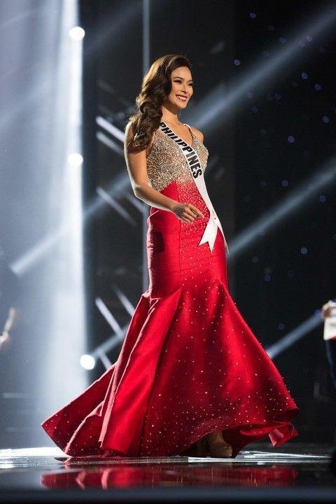 Một năm sau, ở kỳ Miss Universe 2016 đại diện nước chủ nhà Philippines là Maxine Medina đã diện chiếc váy sắc đỏ với dụng ý hoàn thiện mảnh ghép còn lại. Song cuối cùng người đẹp chỉ dừng lại ở top 6.