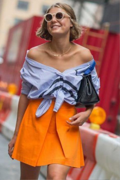 Chiếc áo này có thể mang đến cho người mặc vẻ đẹp nữ tính nhất
