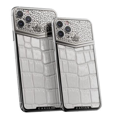 Ngoài thay đổi chất liệu, thiết kế mặt lưng của các mẫu iPhone 11 Pro tới từ Caviar cũng được làm khác biệt bản gốc.