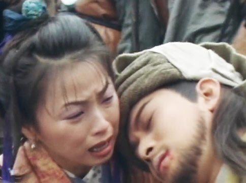 Phân đoạn cảm động của A Tử trong phim khi Kiều Phong hy sinh.