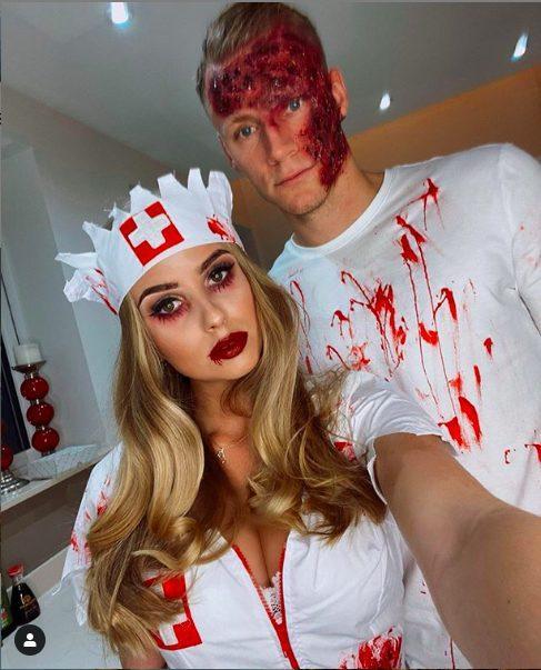 Thủ thành Berd Leno cùng người yêu nhìn khá đẫm máu.