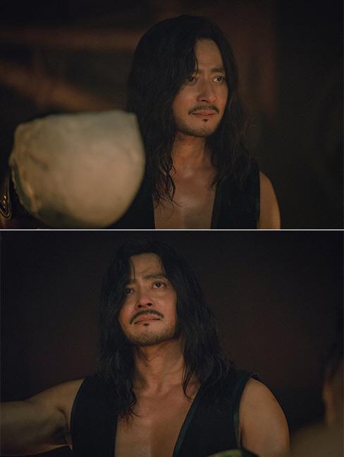 Khán giả Hàn chê bai tập 1 Niên sử ký Arthdal của Song Joong Ki, kinh phí lên tới 1000 tỷ đồng ảnh 4