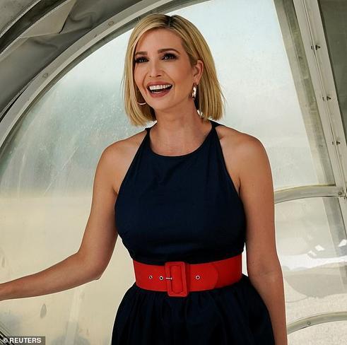 Ái nữ nhà Trump diện chiếc đầm giá 170 USD đi kèm với thắt lưng của hãng J.Crew
