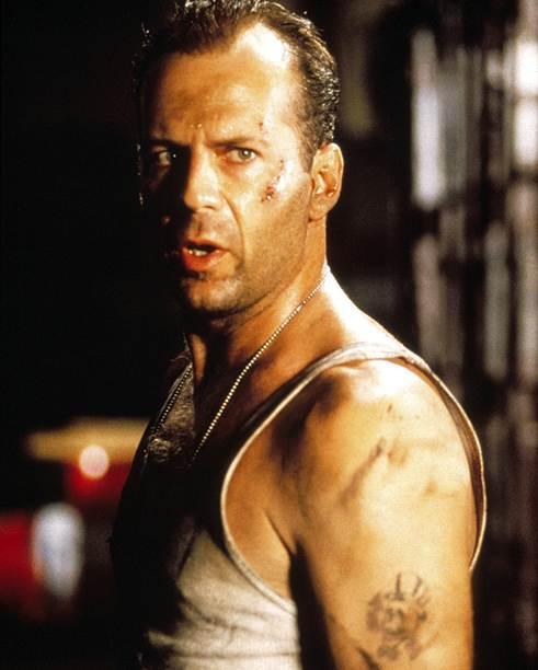 Các huyền thoại cơ bắp đình đám Hollywood: Tom Cruise, The Rock có ngang tầm Arnold Schwarzenegger? ảnh 3