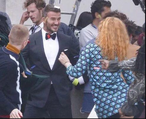 David Beckham hợp tác với Angelababy bị dân mạng Anh nói bóng gió: Anh ta chưa từng cười như vậy với vợ mình bao giờ cả ảnh 7