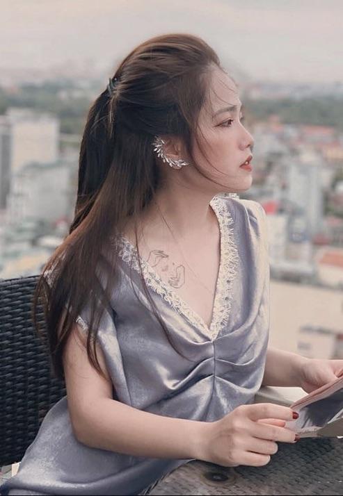 Hiện chuyện tình cảm giữa cô cùng Quang Hải vẫn đang tiến triển khá tốt đẹp.