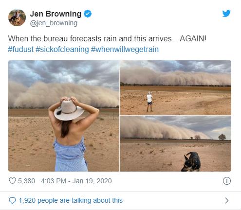 Biên tập viên Jen Browning đứng trước cơn bão cuồn cuộn.
