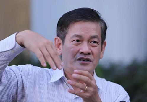 Kiến trúc sư Ngô Viết Nam Sơn trình bày ý tưởng về đô thị sân bay. Ảnh:Nguyễn Đông.