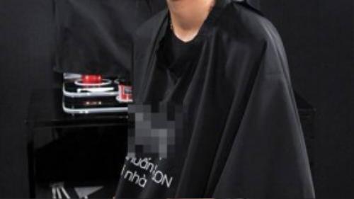 """""""Cô nàng cá tính"""" Nguyễn Hợp ở tập 2 từng hụt hẫng với việc không được cắt tóc ngắn. Tuy nhiên, trong tập mới này, cô lại xoay chuyển cảm xúc trái ngược hoàn toàn khi vẫn chưa hết bàng hoàng vì bị cắt phăng đi mái tóc dài của mình."""