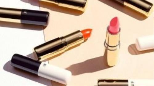 Các sản phẩm của H&M có thiết kế rất sang trọng và thanh lịch.