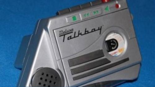 Máy ghi âm Talkboy.
