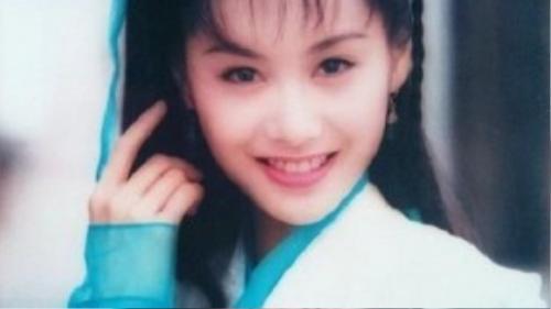 """""""Hoàng Dung"""" Chu Ân gây thiện cảm bằng mắt trong veo và nụ cười rạng rỡ."""
