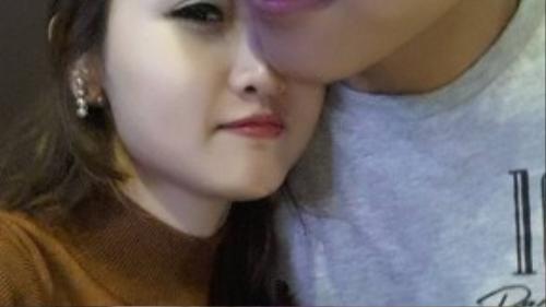 Hình ảnh hạnh phúc bên nhau của đôi bạn trẻ