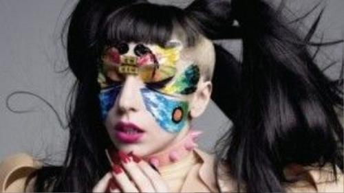 """Mỗi lần xuất hiện, Lady Gaga đều """"chiêu đãi"""" công chúng những """"bữa tiệc thị giác"""" cực kỳ ấn tượng."""