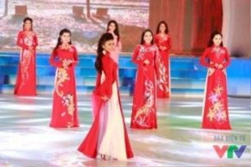 Các thí sinh trong buổi tổng duyệt Hoa hậu Biển Việt Nam 2016.